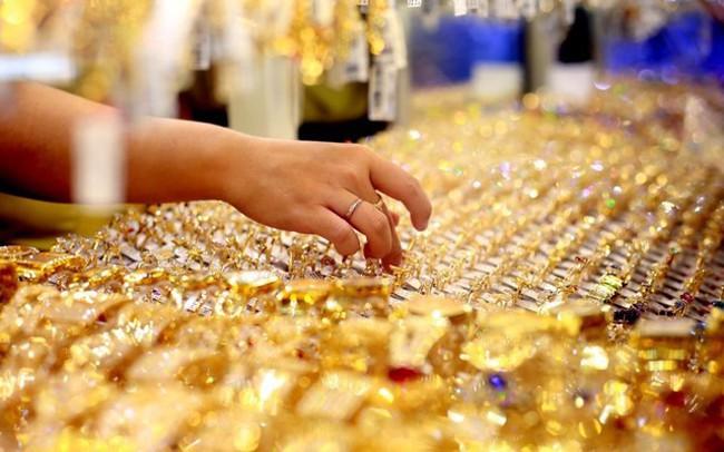 Đầu tuần, giá vàng giao dịch quanh mức 42 triệu đồng/lượng - ảnh 1