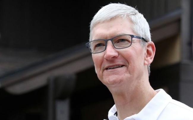 Apple bị ông Trump dội gáo nước lạnh, cổ phiếu cắm đầu lao dốc