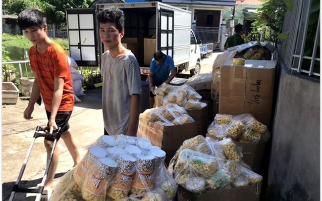 3.000 hộp bắp rang bơ nguyên liệu Trung Quốc bị phát hiện khi đang chế biến