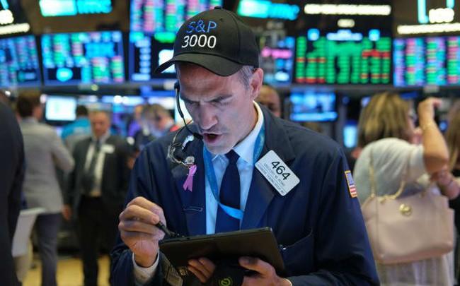 Nhà đầu tư thận trọng chờ đợi phát biểu của Fed, thị trường vẫn 'le lói' sắc xanh - ảnh 1