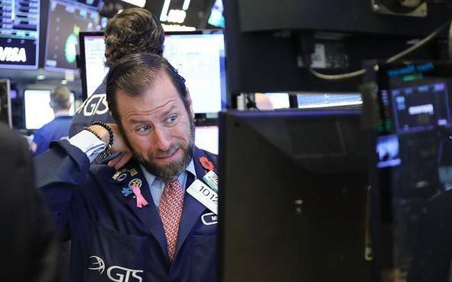 Mỹ và Trung Quốc tuyên bố áp thuế bổ sung để trả đũa nhau, Dow Jones rớt gần 650 điểm - ảnh 1