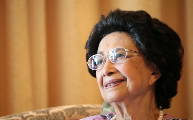 """""""Hậu phương"""" của nhà lãnh đạo lớn tuổi nhất thế giới: Người phụ nữ đấu tranh vì nữ quyền từ những năm hậu thế chiến II, chưa một lần nghĩ rằng mình sẽ trở thành vợ của Thủ tướng"""