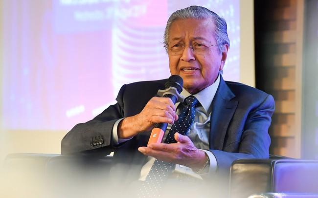 Thủ tướng Malaysia đối thoại với sinh viên Việt: Người dân Malaysia không dễ dàng tiếp cận công nghệ mới như ở Việt Nam