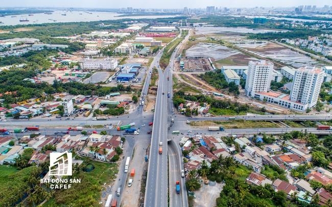 TPHCM ráo riết mở đường cho các nhà đầu tư lớn vào phát triển khu dô thị thông minh, BĐS khu Đông đang bùng nổ trở lại - ảnh 1