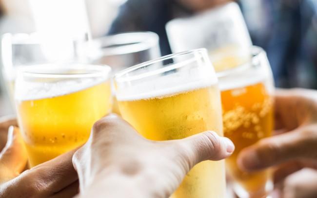 Những thói quen uống bia hại khủng khiếp mà có thể bạn cũng đang mắc phải