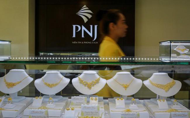 Giá vàng chưa ngớt đà tăng, lên 42,5 triệu đồng/lượng