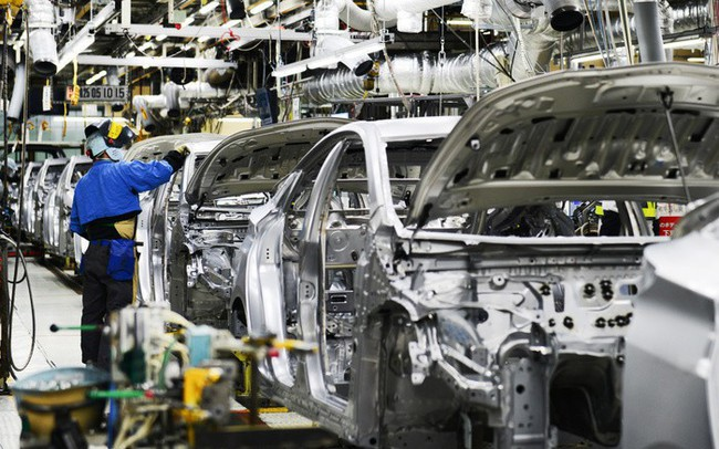 """Công nghiệp ô tô và những chính sách """"trái ngang"""" - ảnh 1"""