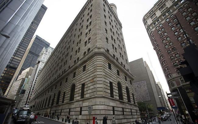 Chứng khoán Mỹ hồi hộp chờ quyết định lãi suất của Fed