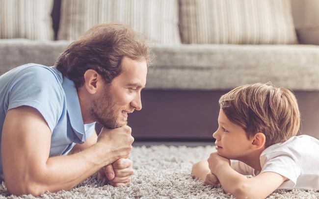 """Cha mẹ """"nằm lòng"""" 8 câu nói này sẽ giúp con lớn lên trở thành người biết tiến biết lùi, """"gặp nguy không biến"""""""