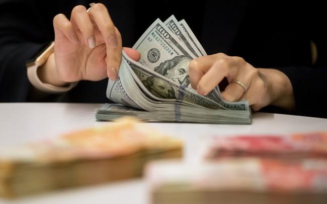 Lo sợ khủng hoảng tài chính sẽ xảy ra trong tương lai gần, các gia tộc giàu có nhất thế giới vội vã tích trữ tiền mặt