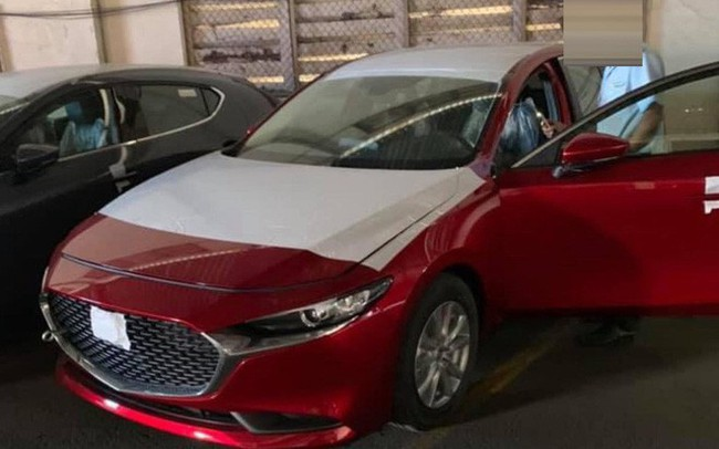 Mazda 3 thế hệ mới lộ diện tại Việt Nam, dòng cũ giảm giá 20-30 triệu đồng