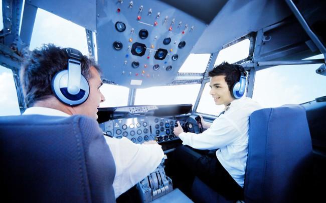"""Bỏ 3 tỷ đồng để học phi công tại Vinpearl Air – có xứng đáng """"làm một ván"""" đầu tư cho cuộc đời?"""