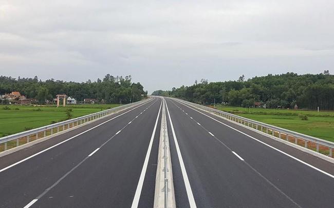 Chuyên gia ADB nói gì về tác động của việc hủy đấu thầu quốc tế cao tốc Bắc Nam tới môi trường kinh doanh Việt Nam? - ảnh 1