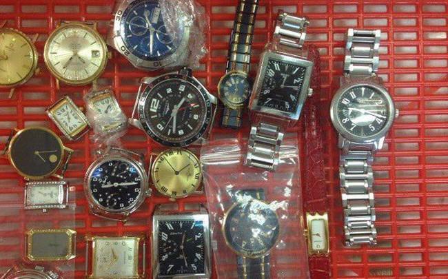 Hải quan Hà Nội đấu giá 54 chiếc đồng hồ đã qua sử dụng