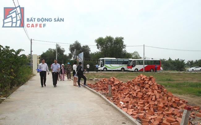 Chuyên gia mách nước làm giàu, hạn chế rủi ro trong làn sóng đầu tư bất động sản các tỉnh ven Sài Gòn - ảnh 1