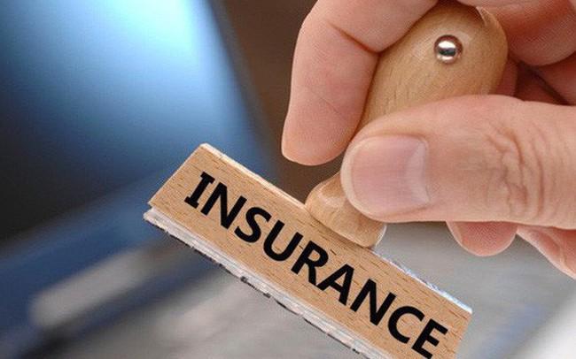 """Thị trường bảo hiểm """"nóng"""" với hàng loạt thương vụ lớn"""