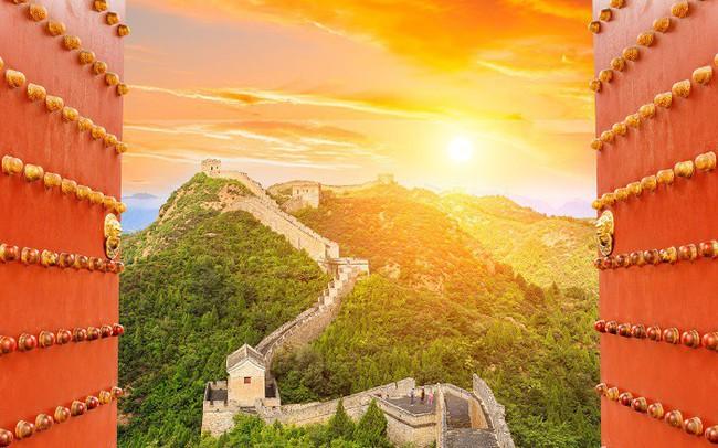 """Bất chấp chiến tranh thương mại, Trung Quốc quyết tâm mở rộng """"cánh cửa"""" 43 nghìn tỷ USD chào đón Phố Wall và hứa sẽ không """"chèn ép"""" các công ty nước ngoài"""