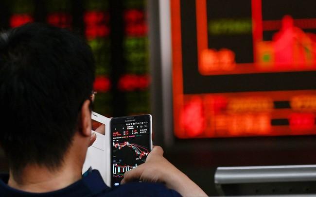 """Mỹ dọa tung đòn đánh hiểm, nhà đầu tư Trung Quốc đối diện """"bài kiểm tra"""" quan trọng ngay trong ngày mai"""