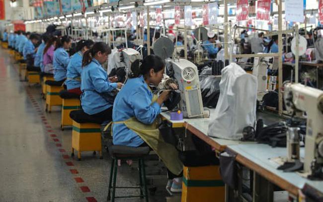Hoạt động sản xuất của Trung Quốc bất ngờ tăng mạnh hơn kỳ vọng trong tháng 9