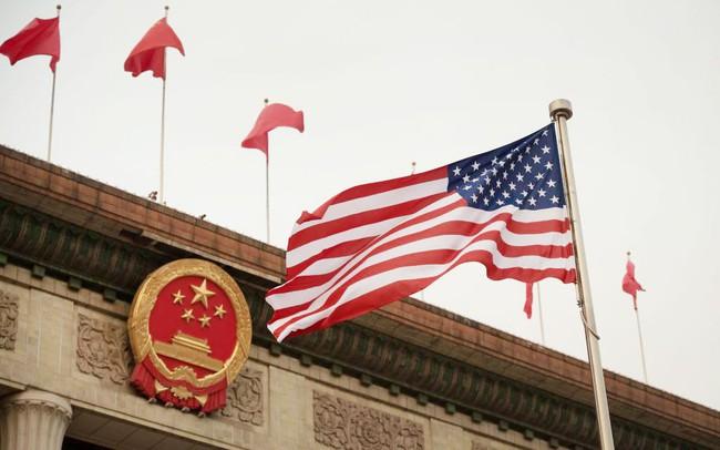 """Hạn chế đầu tư vào các công ty Trung Quốc, Mỹ sẽ """"gậy ông đập lưng ông""""?"""