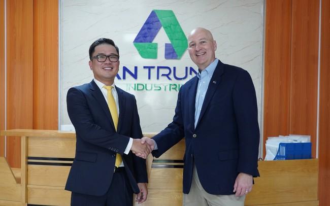 Thống đốc bang Nebraska mời Nhựa An Phát Xanh đầu tư vào Hoa Kỳ