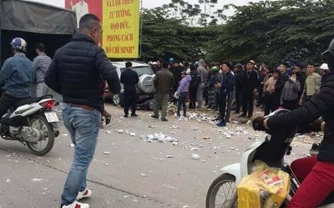 """Xe ô tô """"điên"""" đâm liên hoàn ở Hà Nội khiến 2 vợ chồng tử vong"""
