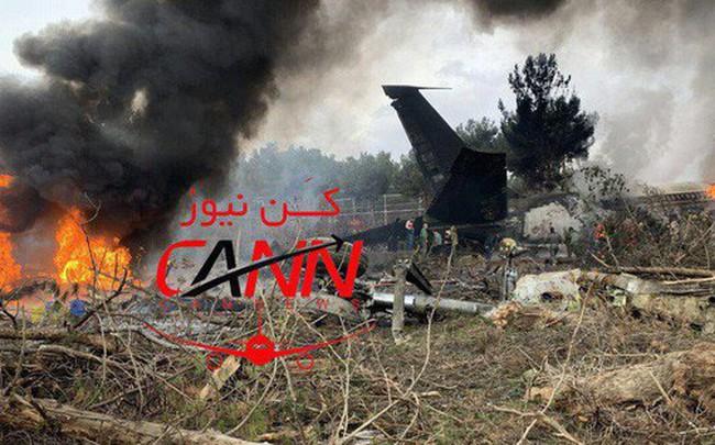 [NÓNG] Rơi gần thủ đô, Boeing-707 của quân đội Iran bốc cháy, chỉ 1 người sống sót
