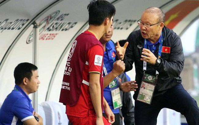 Chiến lược quản trị của HLV Park Hang-seo: Bóng đá nếu dùng sức thì châu Phi luôn vô địch! Trên sân bóng là cuộc đấu trí của hai bên, người biết thay đổi, đối pháp linh hoạt thì mới có thể tồn tại