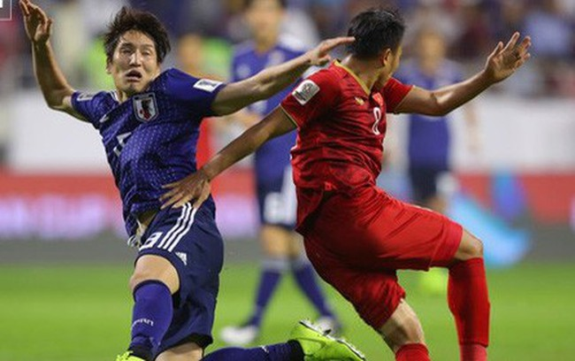 Mỗi khi chê Samurai xanh, báo Nhật Bản lại... so sánh với Việt Nam