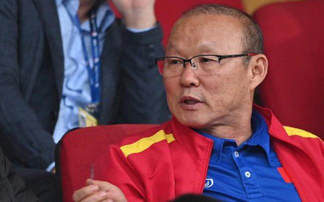 Không nghỉ ngơi, HLV Park Hang-seo tới sân theo dõi U22 Việt Nam đấu CLB quê nhà