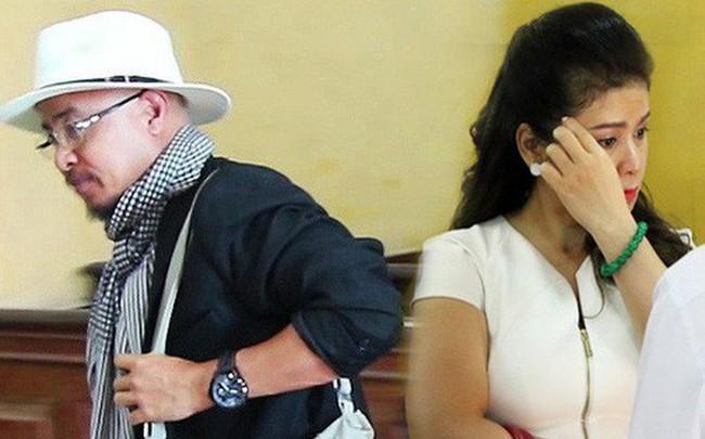 [ẢNH]: Ông Đặng Lê Nguyên Vũ và vợ không một lần ngoảnh mặt nhìn nhau tại phiên tòa xử ly hôn