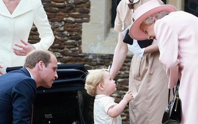 """Choáng váng với những quy tắc nghiêm ngặt của bảo mẫu """"khét tiếng"""" dành cho Hoàng tử George và Công chúa Charlotte"""