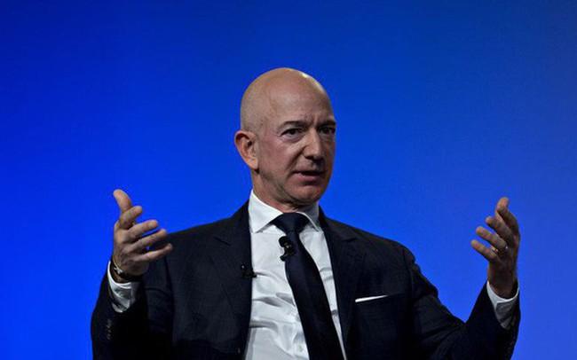 Lùm xùm giữa Jeff Bezos và tờ National Enquirer: Scandal tống tiền ảnh 'nóng' đơn thuần hay động cơ chính trị nào khác liên quan đến ông Trump?