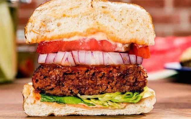 """""""Thịt chay"""" từ rau củ có mùi vị, dưỡng chất, """"rỉ máu"""" y như thịt thật, Beyond Meat được cả Bill Gates và McDonald's đầu tư, tham vọng thay thế thịt toàn cầu"""