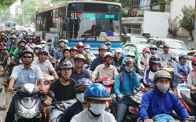 TPHCM cấm xe máy từ năm 2030, dân đi lại bằng gì?