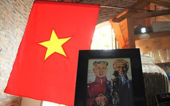 Thiết kế đặc biệt của quán cà phê Hà Nội ngập tràn tranh chân dung ông Donald Trump và ông Kim Jong Un