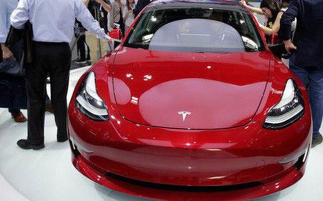 """Trung Quốc cấm bán Tesla Model 3 sau khi hải quan phát hiện có """"điều bất thường"""""""