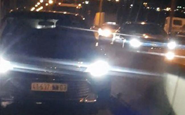 Xác định danh tính người nước ngoài lái ôtô vào làn xe máy trên cầu Phú Mỹ