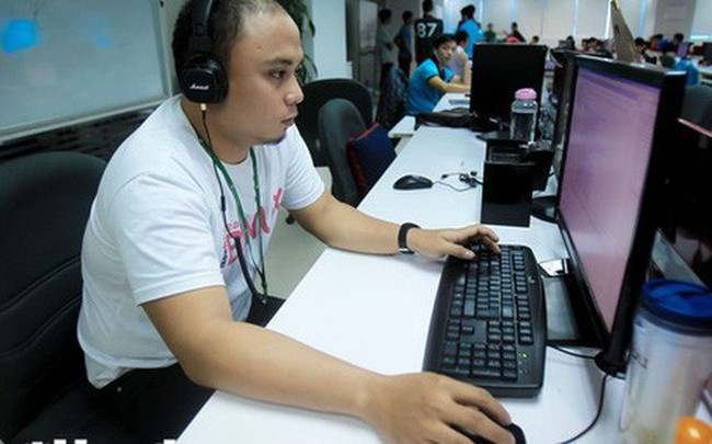 Việt Nam thu hẹp khoảng chênh lệch lương với Singapore và Indonesia