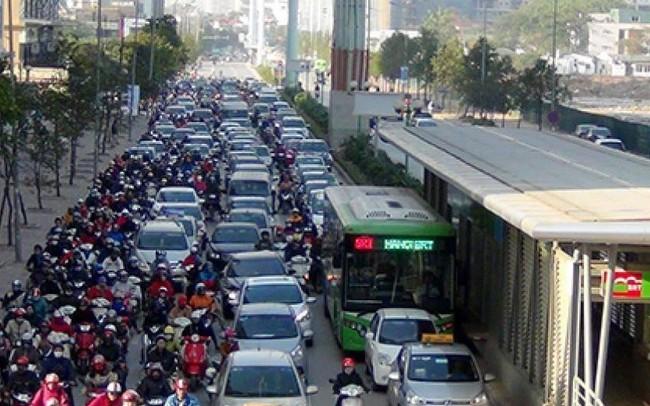 Hà Nội nghiên cứu cấm xe máy trên đường Lê Văn Lương, Nguyễn Trãi