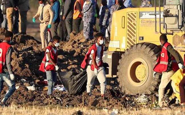Tìm thấy hộp đen của máy bay bị rơi ở Ethiopia