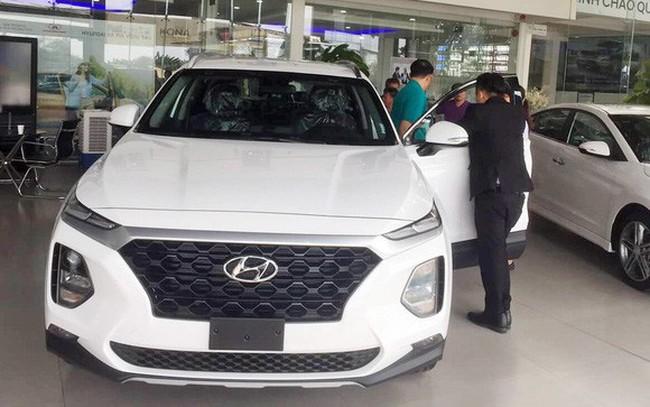 Thời xe Hàn lên ngôi tại Việt Nam: Hyundai tăng giá, bán ngang Toyota bất chấp xe Nhật giảm giá sâu - ảnh 1
