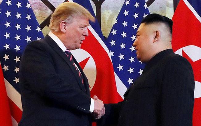Ông Trump phát tín hiệu khó hiểu về lệnh trừng phạt Triều Tiên