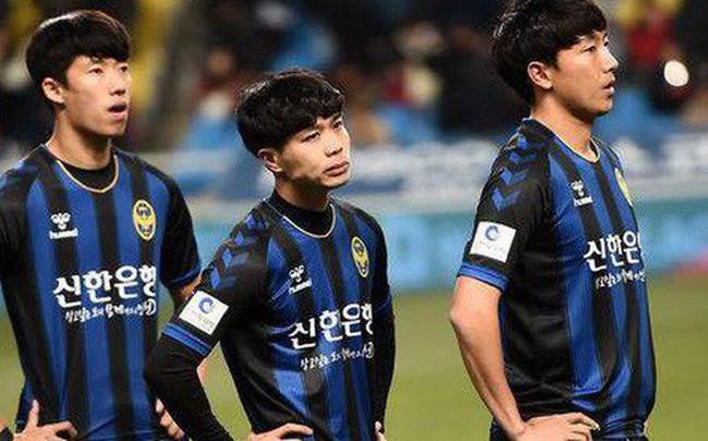 """Lần đầu đá chính, Công Phượng thành """"ngôi sao cô đơn"""" ngày Incheon United sụp đổ bạc nhược"""