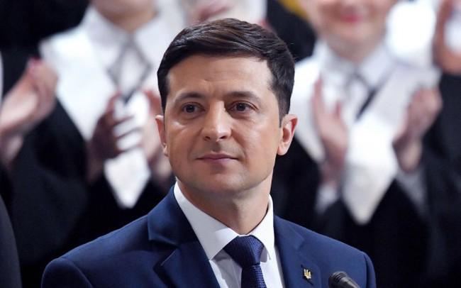 Vì sao một danh hài chưa từng tham gia chính trị lại thắng áp đảo trước Tổng thống Ukraine?