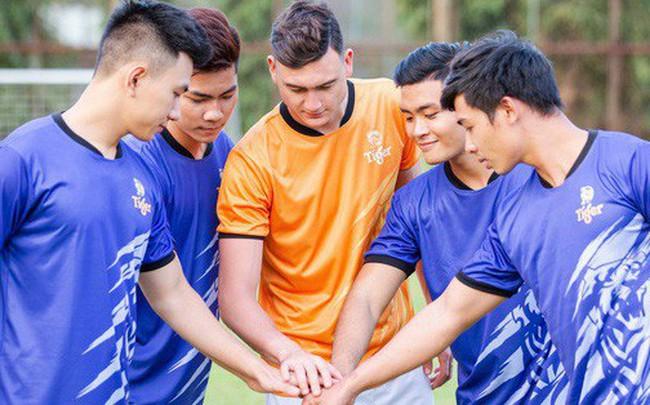 Thủ thành Đặng Văn Lâm sánh vai cùng 5 siêu sao bóng thế giới tại giải bóng đá đường phố