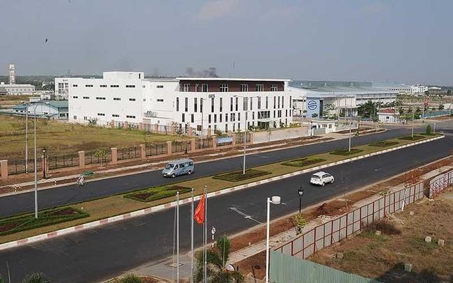 Nhà máy ngoại dịch chuyển, bất động sản công nghiệp đắc lợi