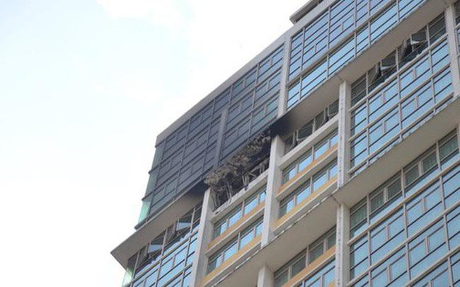 Cháy tại chung cư The Vista An Phú ở Sài Gòn, 1 chiến sĩ PCCC bị ngạt khói