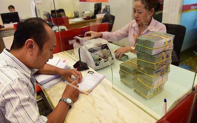 Vốn trung dài hạn cho doanh nghiệp: 'Trông' vào ngân hàng hay chứng khoán?