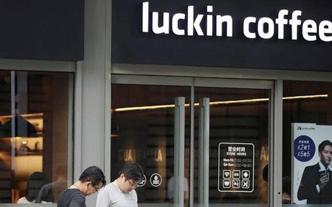 Luckin Coffee: Chuỗi cà phê địa phương đang ép Starbucks vào đường cùng ở Trung Quốc, tốc độ mở kinh hoàng 4h/cửa hàng, trở thành kỳ lân chỉ sau 9 tháng ra mắt